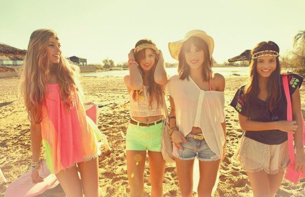como ir vestida a la playa e1475195220443 - Cómo debo Vestirme Para Ir A La Playa