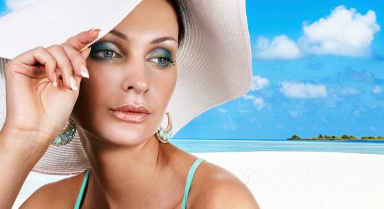 Cómo Maquillarse Para Ir a Una Fiesta En La Playa