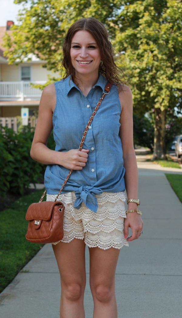 Stylish Ways to Wear a Chambray shirt0341 - Como Combinar Una Blusa De Mezclilla