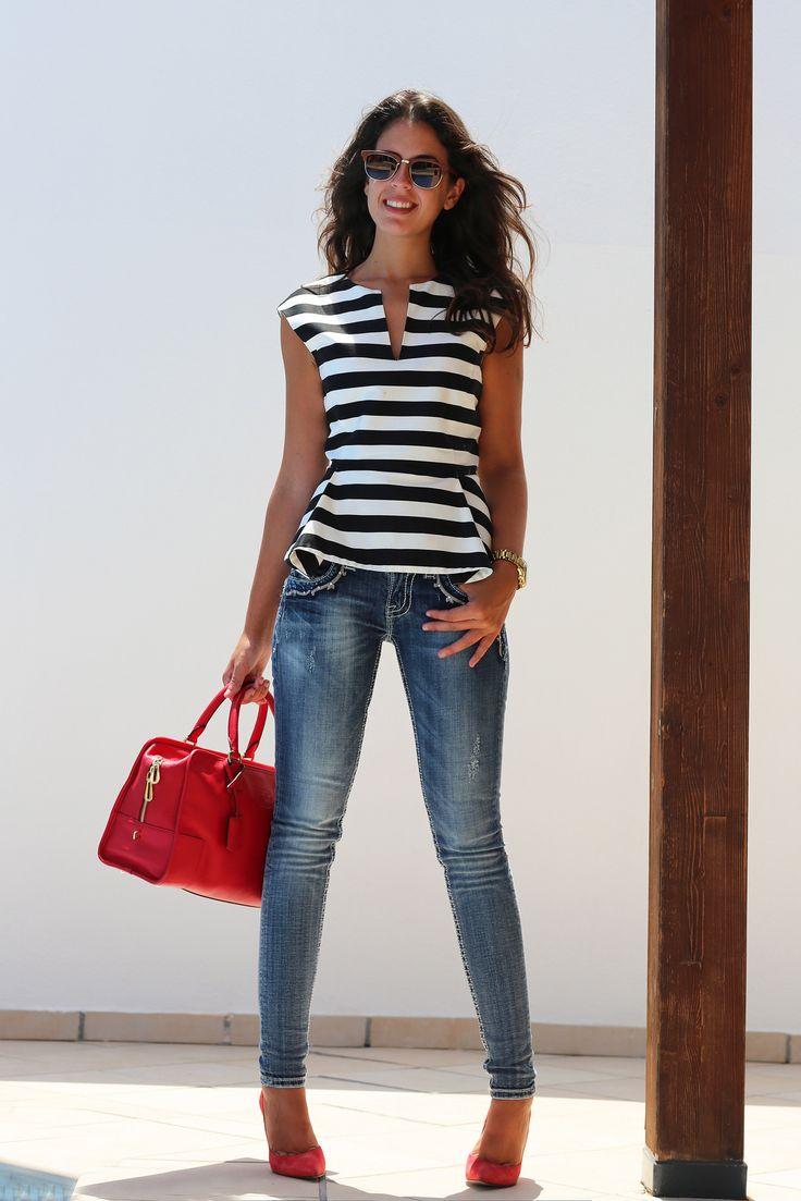 Blusas con Rayas como combinarlas correctamente - La Moda Es