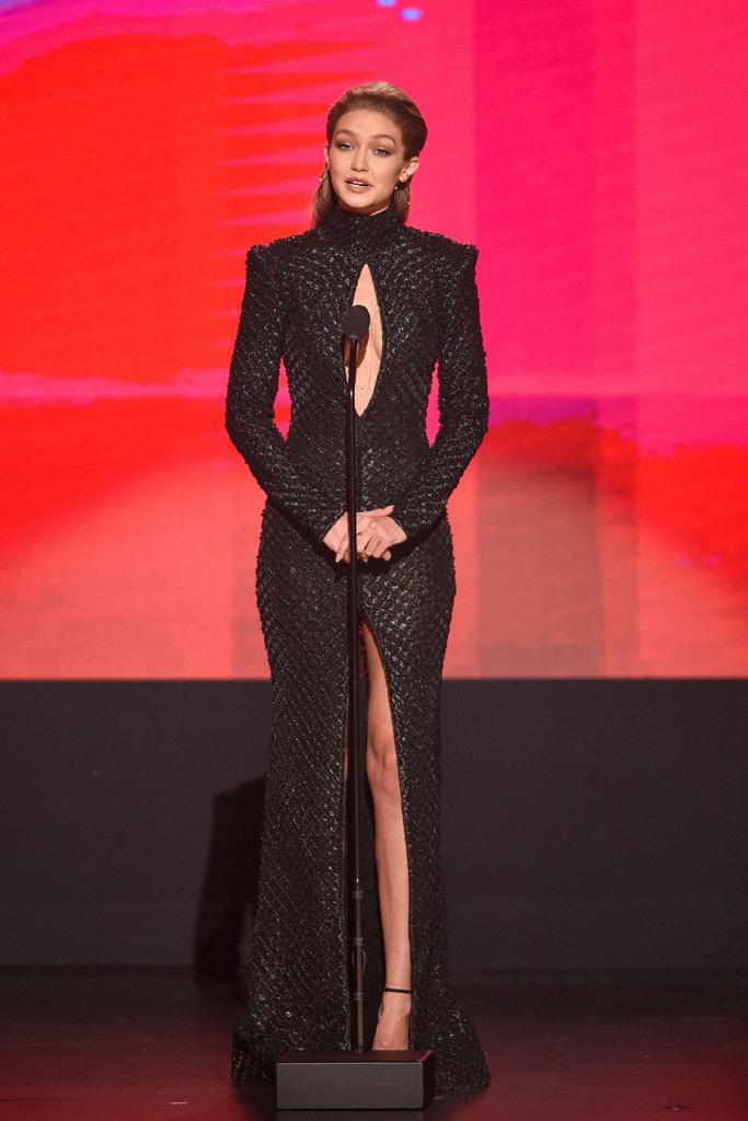 look gigi hadid - Gigi Hadid en los AMAs 2016
