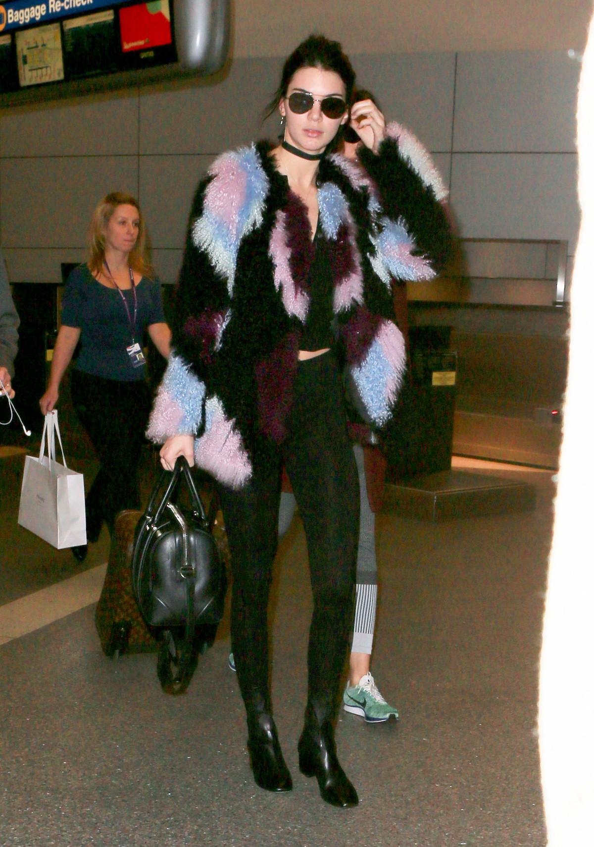 abrigo pelo - Los Mejores Looks De Invierno De Kendall Jenner