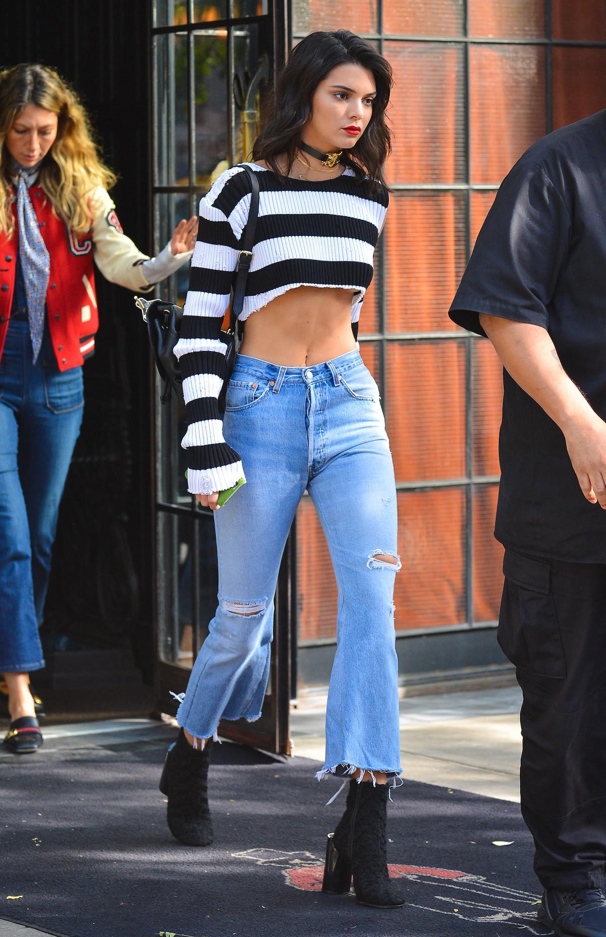 kendall crop top - Los Mejores Looks De Invierno De Kendall Jenner