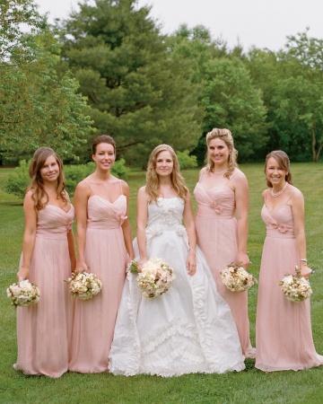 vestido rosa dama de honor - Mira Cuales Son Los Vestidos De Dama De Honor De Moda
