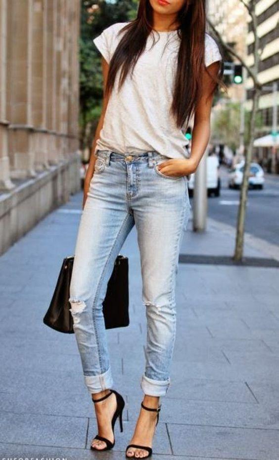 camiseta blanca look - Prendas Básicas Que No Deben Faltar En Tu Closet