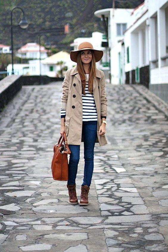 gabardina beige outfit - Prendas Básicas Que No Deben Faltar En Tu Closet
