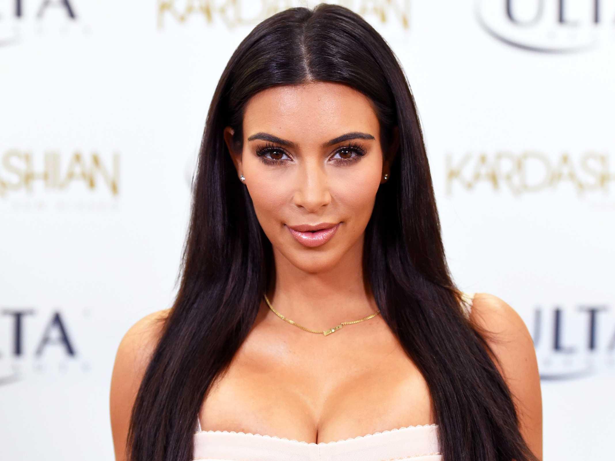 kim kardashian - 10 Famosos Que No Beben Ni Un Poco De Alcohol