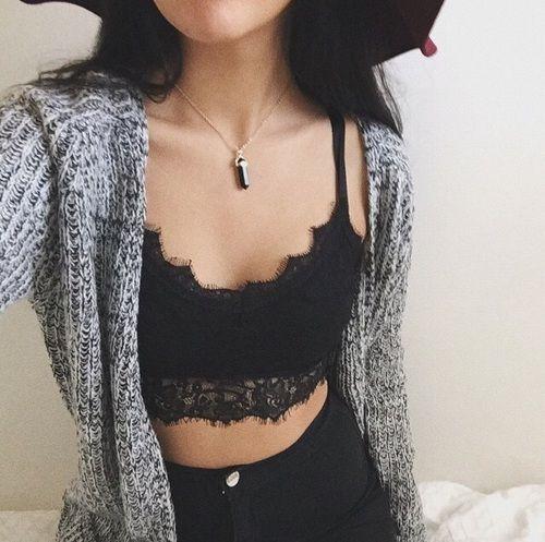 bra2 - 15 Outfits Para Mostrar Tu Bralette A Todos