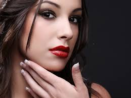 chica labial rojo - Consejos Para Pintar Tus Labios De Rojo Y Estén Perfectos