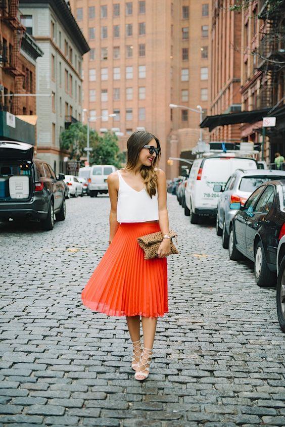 falda naranja - Increíbles Outfits Naranja El Color Del Verano