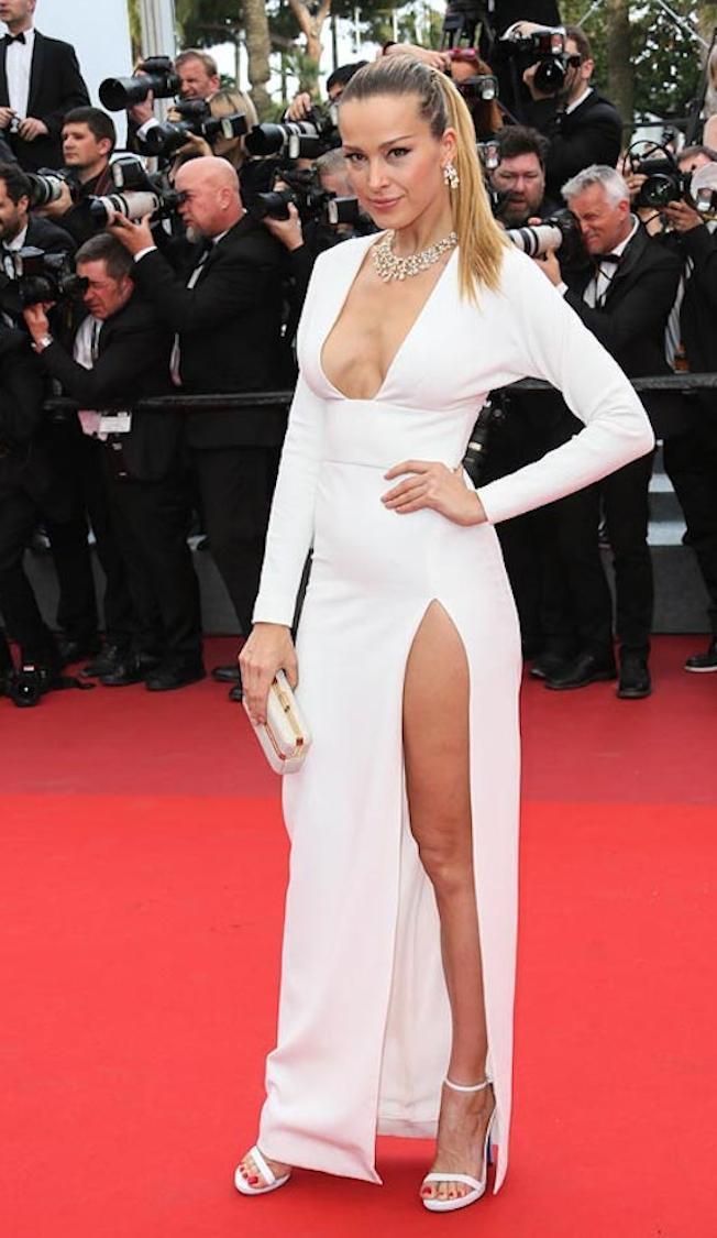 vestido blanco elegante - Los Vestidos Mas Hermosos De Cannes 2017