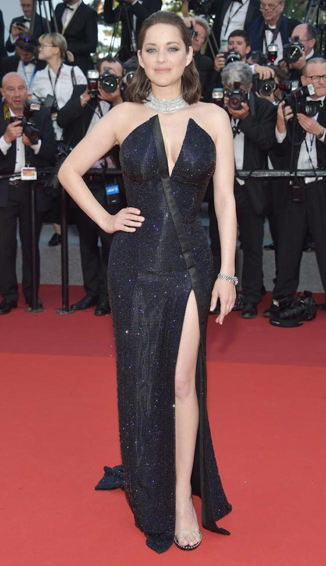 vestido negro brillante copia - Los Vestidos Mas Hermosos De Cannes 2017