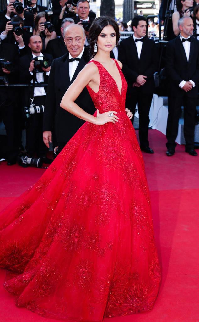 vestido rojo - Los Vestidos Mas Hermosos De Cannes 2017