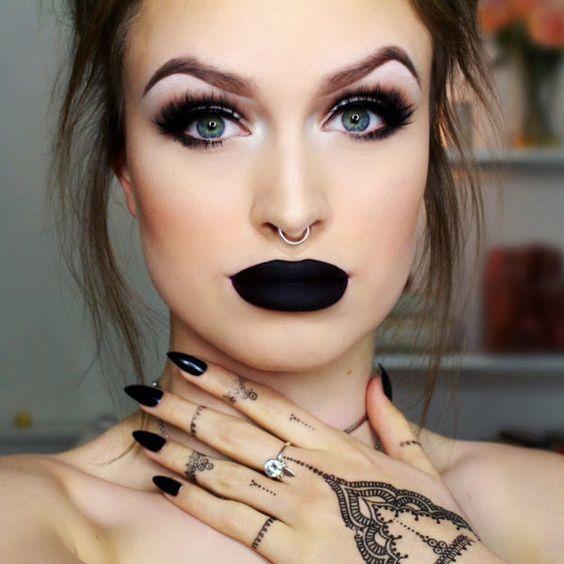 Maquillajes Con Labial Negro Mate Que Te Encantaran