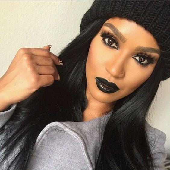labial negro mate2 - Maquillajes Con Labial Negro Mate Que Te Encantaran