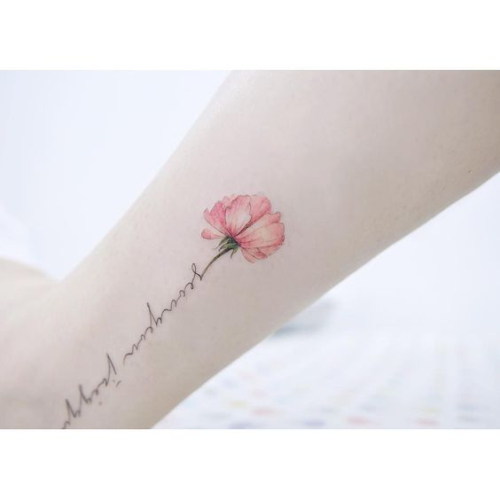 tatuaje flor2 - Pequeños Y Hermosos Tatuajes De Flores Para Mujer