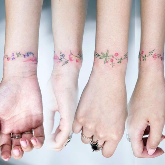 tatuaje flor8 - Pequeños Y Hermosos Tatuajes De Flores Para Mujer