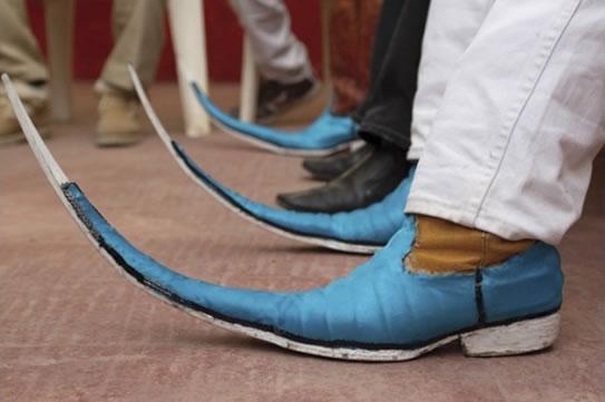 moda botas tribaleras - Tendencias De Moda Que Deberían Desaparecer