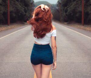 outfits con shorts 1 300x259 - Miles de outfits que inspiraran tu dia