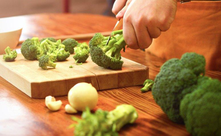 10 beneficios del brocoli que te convenceran de agregarlo a - 10 beneficios del brócoli que te convencerán de agregarlo a tu rutina