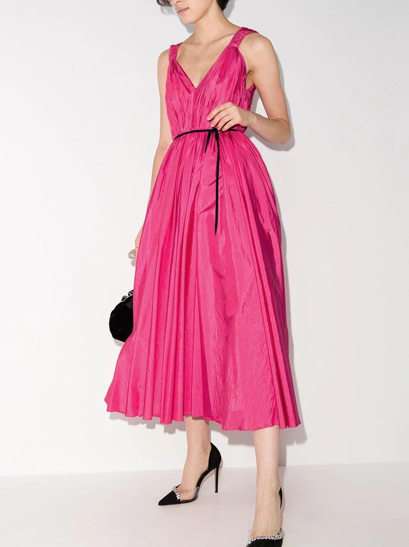 1612584554 762 echa un vistazo a las opciones para comprar y 30 - 40 modelos de vestidos rosas para un look que no pasa desapercibido