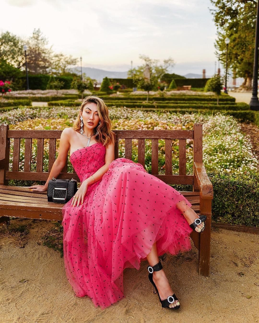 1612584555 663 echa un vistazo a las opciones para comprar y 30 - 40 modelos de vestidos rosas para un look que no pasa desapercibido