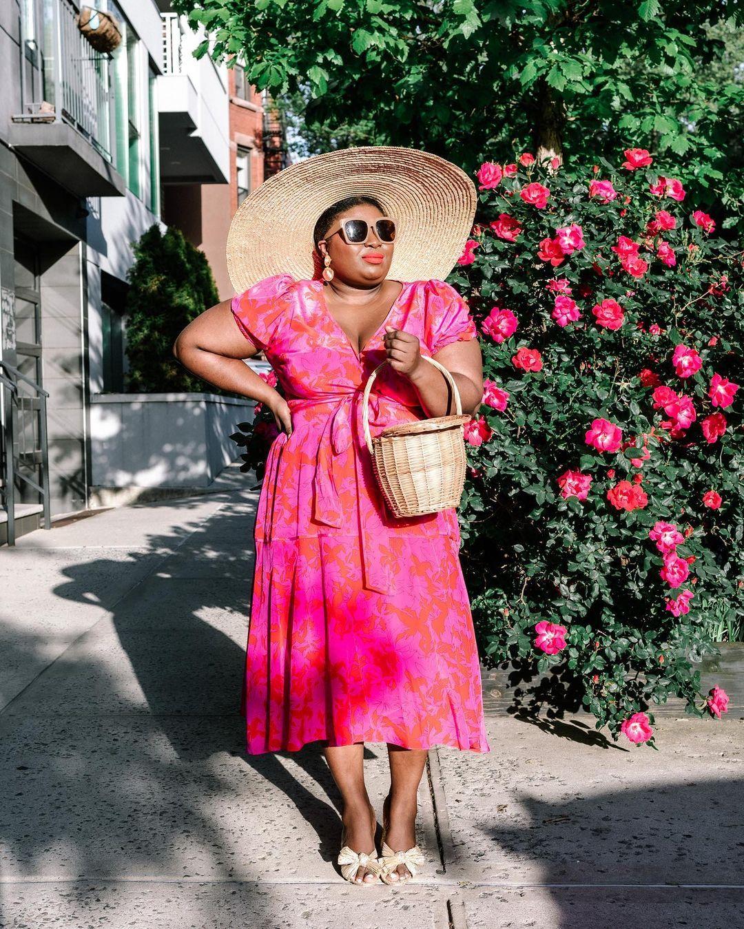 1612584556 446 echa un vistazo a las opciones para comprar y 30 - 40 modelos de vestidos rosas para un look que no pasa desapercibido