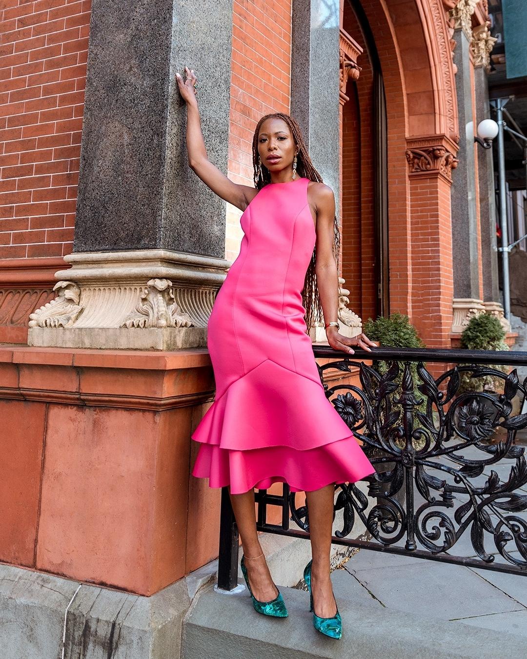 1612584557 144 echa un vistazo a las opciones para comprar y 30 - 40 modelos de vestidos rosas para un look que no pasa desapercibido