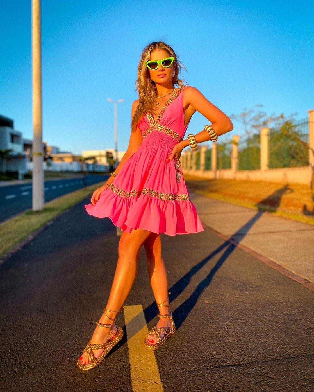 1612584561 707 echa un vistazo a las opciones para comprar y 30 - 40 modelos de vestidos rosas para un look que no pasa desapercibido