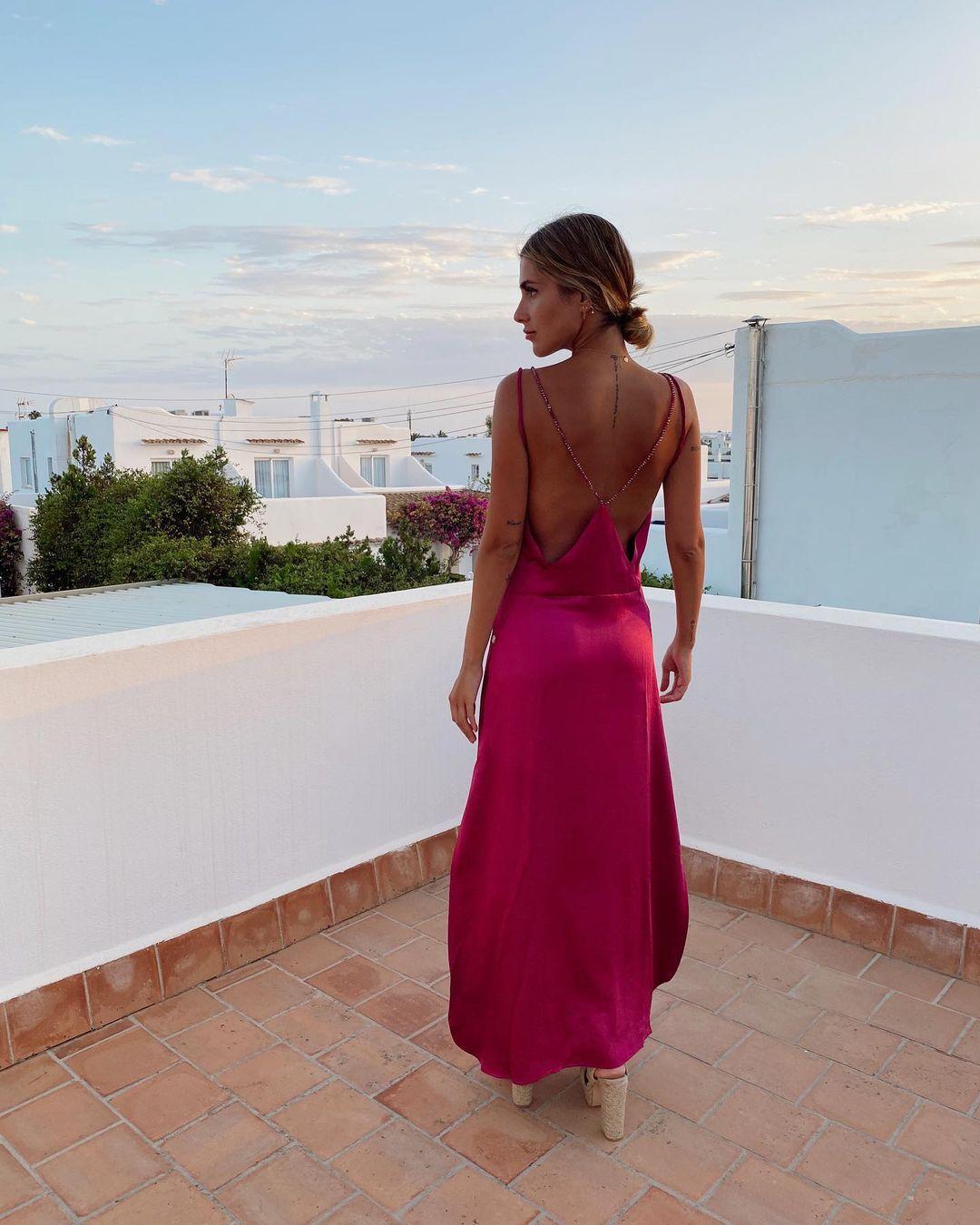 1612584562 772 echa un vistazo a las opciones para comprar y 30 - 40 modelos de vestidos rosas para un look que no pasa desapercibido