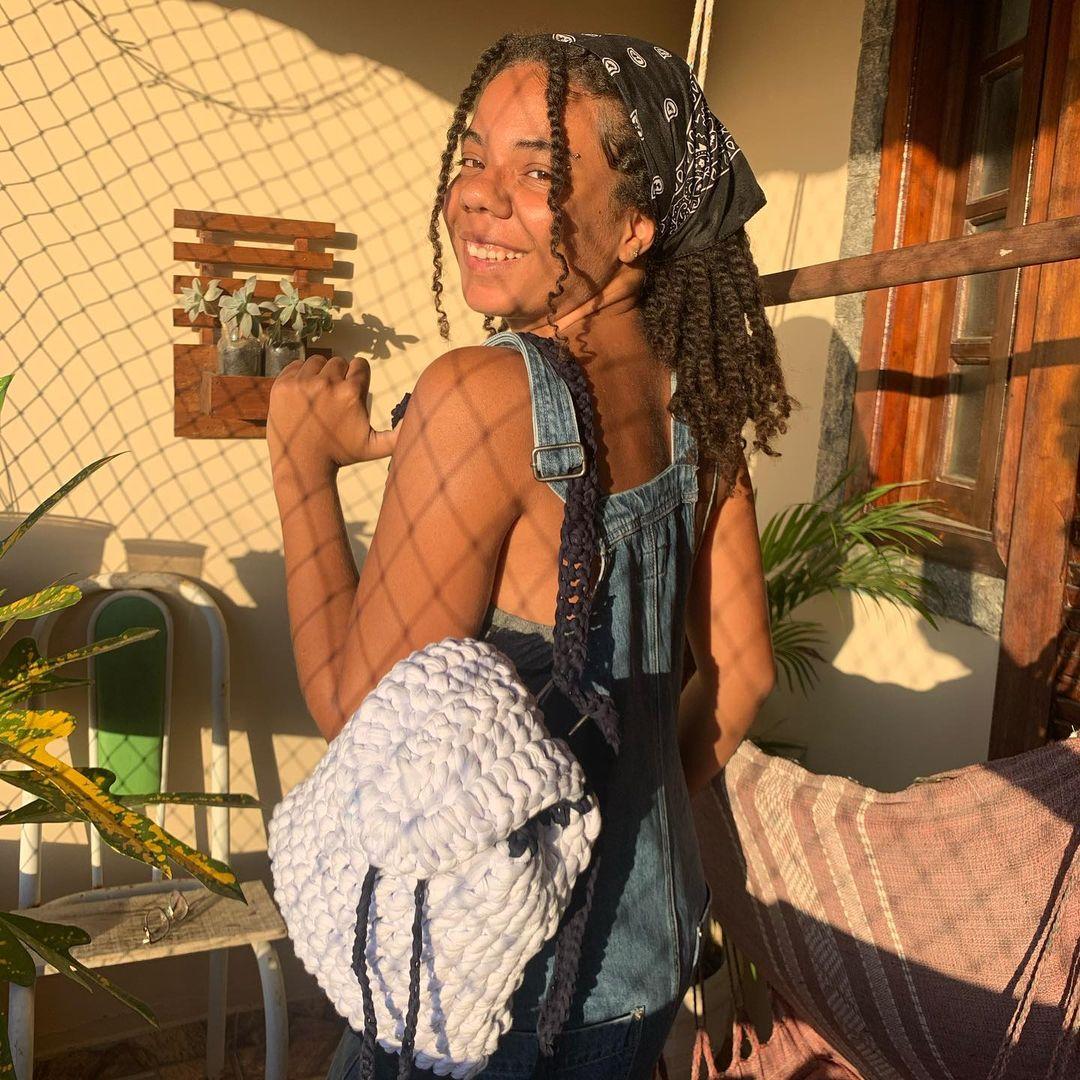 1612585364 471 40 fotos para combinar la pieza con tu look - 40 inspiraciones increíbles para que uses la mochila de crochet
