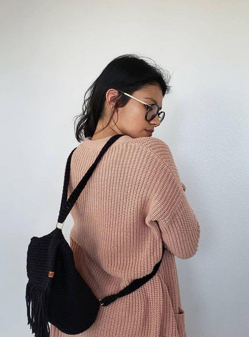 1612585367 446 40 fotos para combinar la pieza con tu look - 40 inspiraciones increíbles para que uses la mochila de crochet