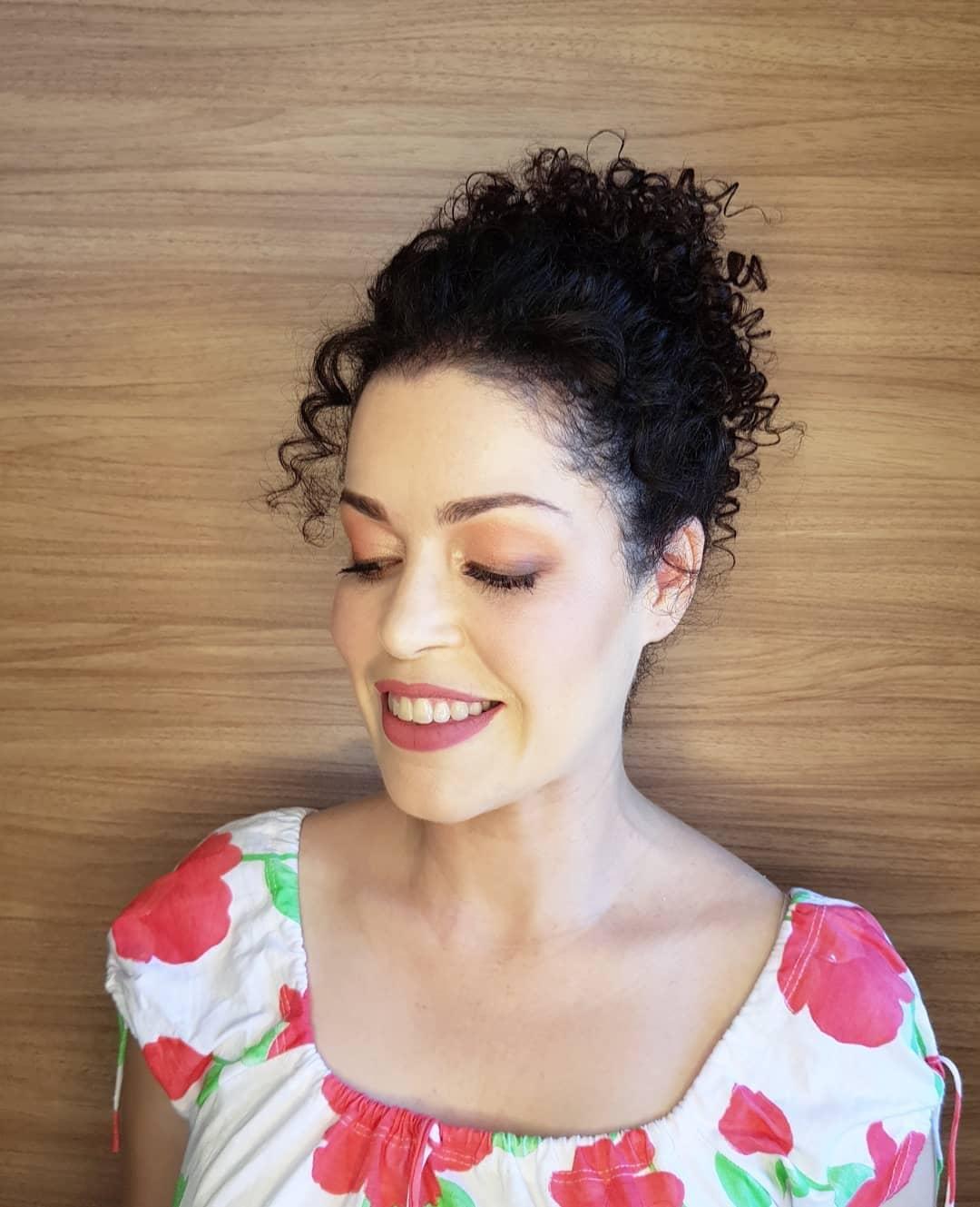 1612586161 51 Peinados faciles para el cabello rizado 20 mega ideas increibles - Peinados fáciles para el cabello rizado: 20 mega ideas increíbles