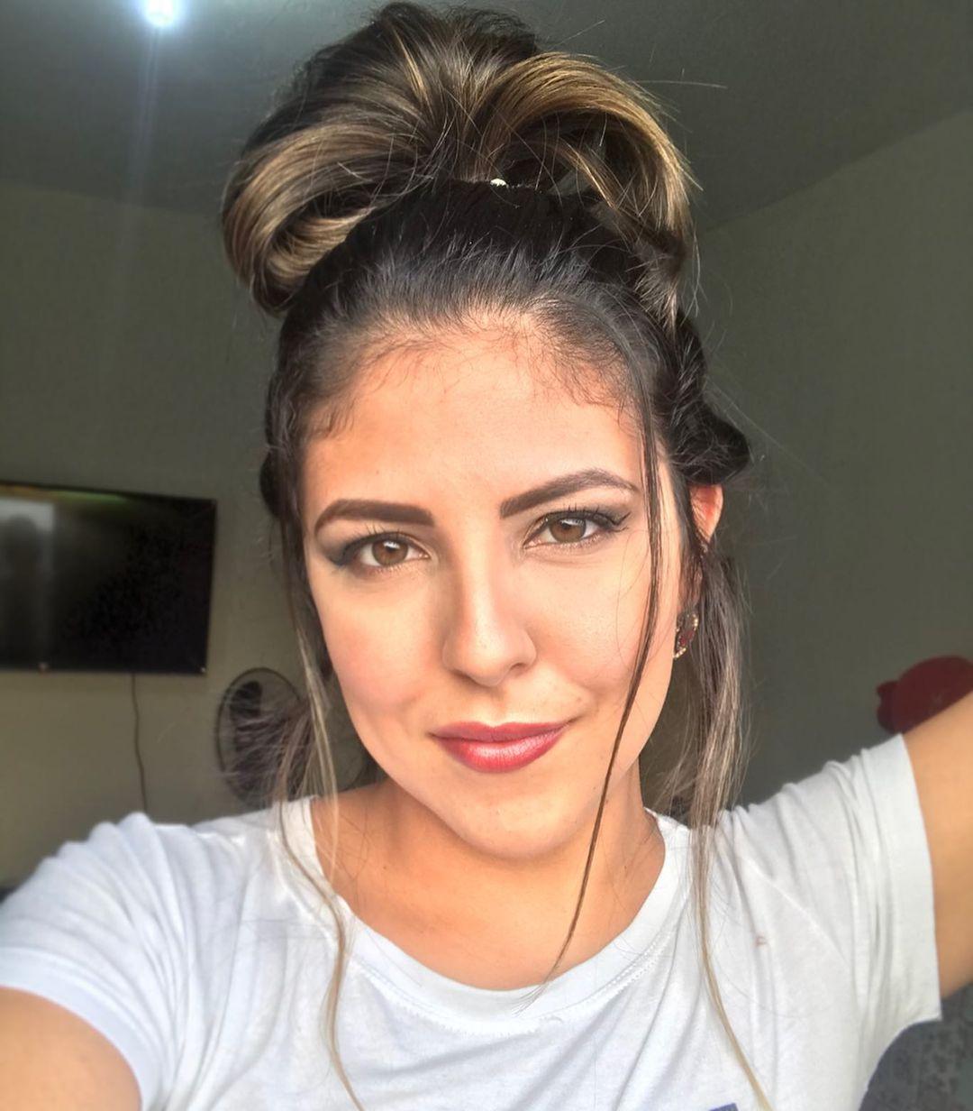 1612586187 853 tutoriales e inspiraciones para enamorarse del peinado - 8 tutoriales sobre cómo hacer un moño desordenado para innovar tus peinados