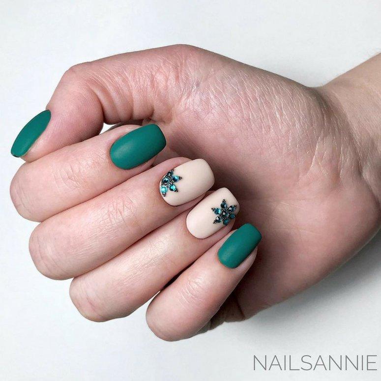 1612704767 20 40 unas deslumbrantes y delicadas con esmalte de unas azul - 40 uñas deslumbrantes y delicadas con esmalte de uñas azul claro