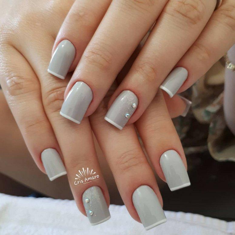 1612704767 347 40 unas deslumbrantes y delicadas con esmalte de unas azul - 40 uñas deslumbrantes y delicadas con esmalte de uñas azul claro