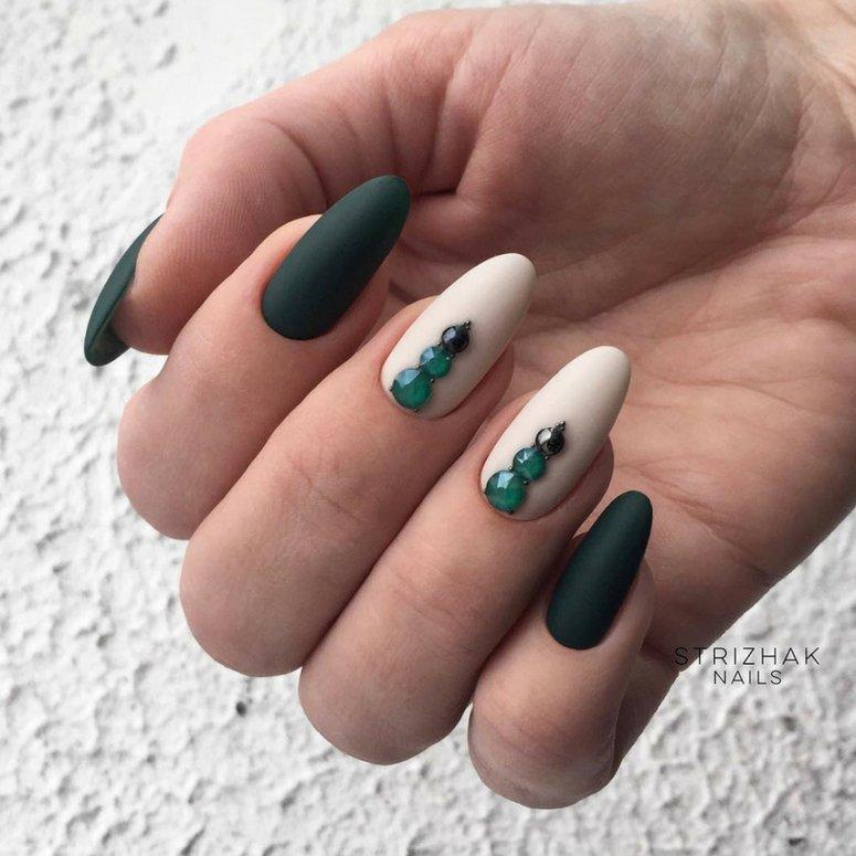 1612704767 619 40 unas deslumbrantes y delicadas con esmalte de unas azul - 40 uñas deslumbrantes y delicadas con esmalte de uñas azul claro