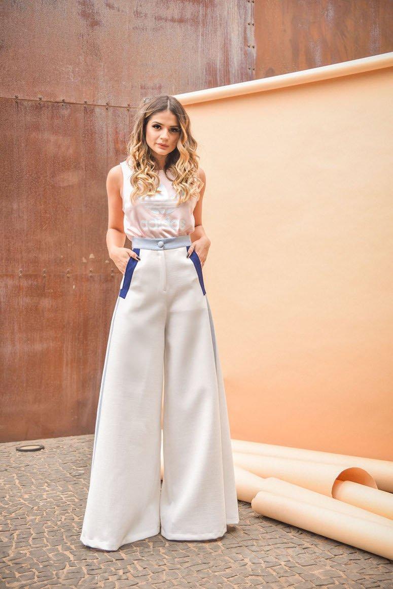 1612726628 225 30 fotos de falda de lino que te convenceran de - 30 fotos de falda de lino que te convencerán de apostar por la prenda