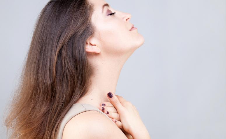 1613148600 58 Descubre la practica del yoga facial y todos sus beneficios - Descubre la práctica del yoga facial y todos sus beneficios.