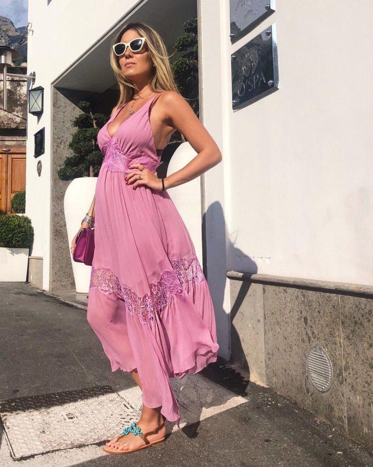 1613158068 821 32 inspiraciones de vestidos de oro rosa llenas de elegancia - 32 Inspiradores vestidos rosas llenos de elegancia y estilo