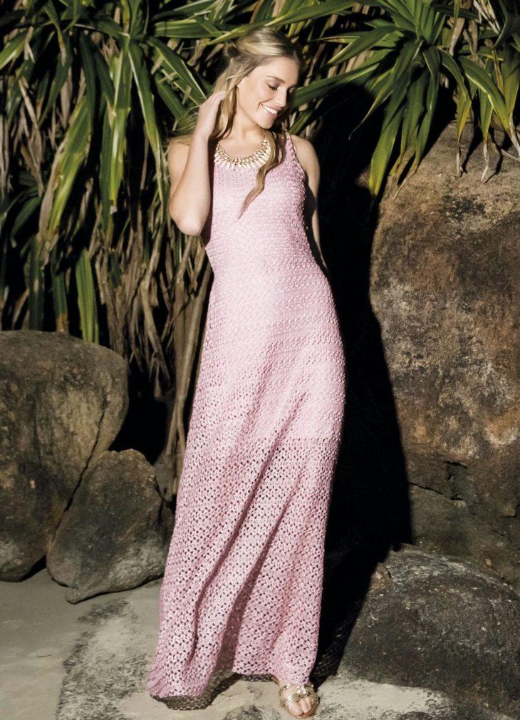1613158068 839 32 inspiraciones de vestidos de oro rosa llenas de elegancia - 32 Inspiradores vestidos rosas llenos de elegancia y estilo