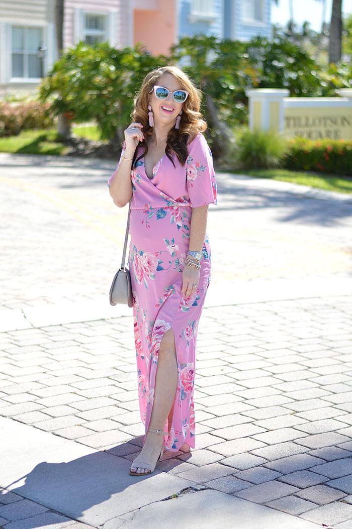 1613158069 87 32 inspiraciones de vestidos de oro rosa llenas de elegancia - 32 Inspiradores vestidos rosas llenos de elegancia y estilo