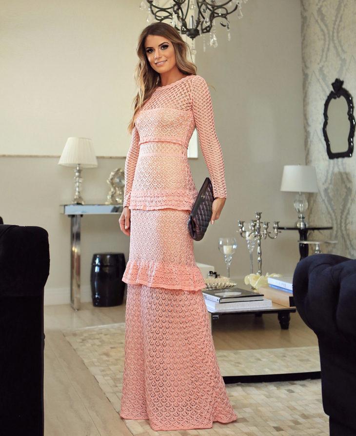 1613158070 147 32 inspiraciones de vestidos de oro rosa llenas de elegancia - 32 Inspiradores vestidos rosas llenos de elegancia y estilo