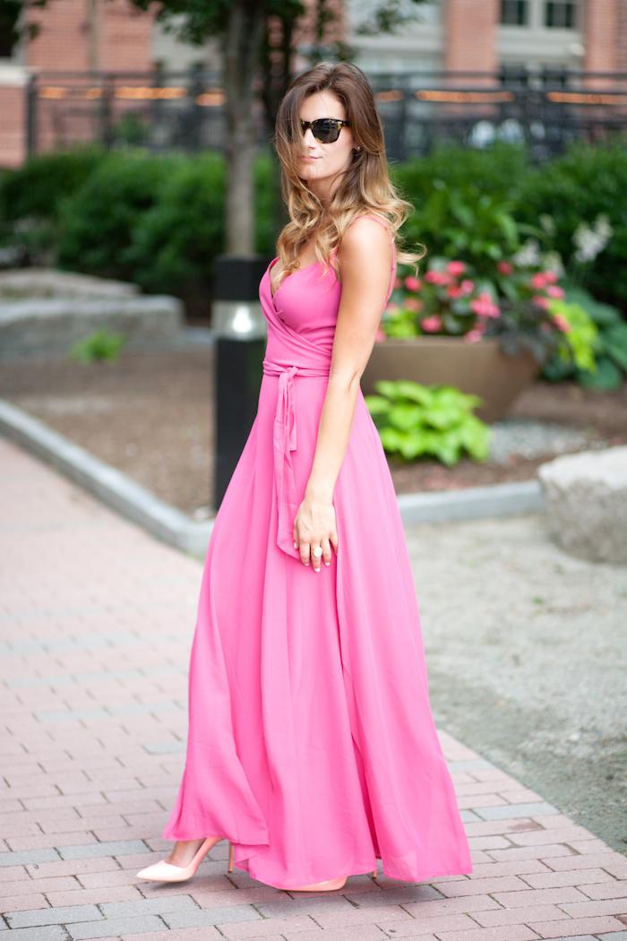 1613158070 206 32 inspiraciones de vestidos de oro rosa llenas de elegancia - 32 Inspiradores vestidos rosas llenos de elegancia y estilo