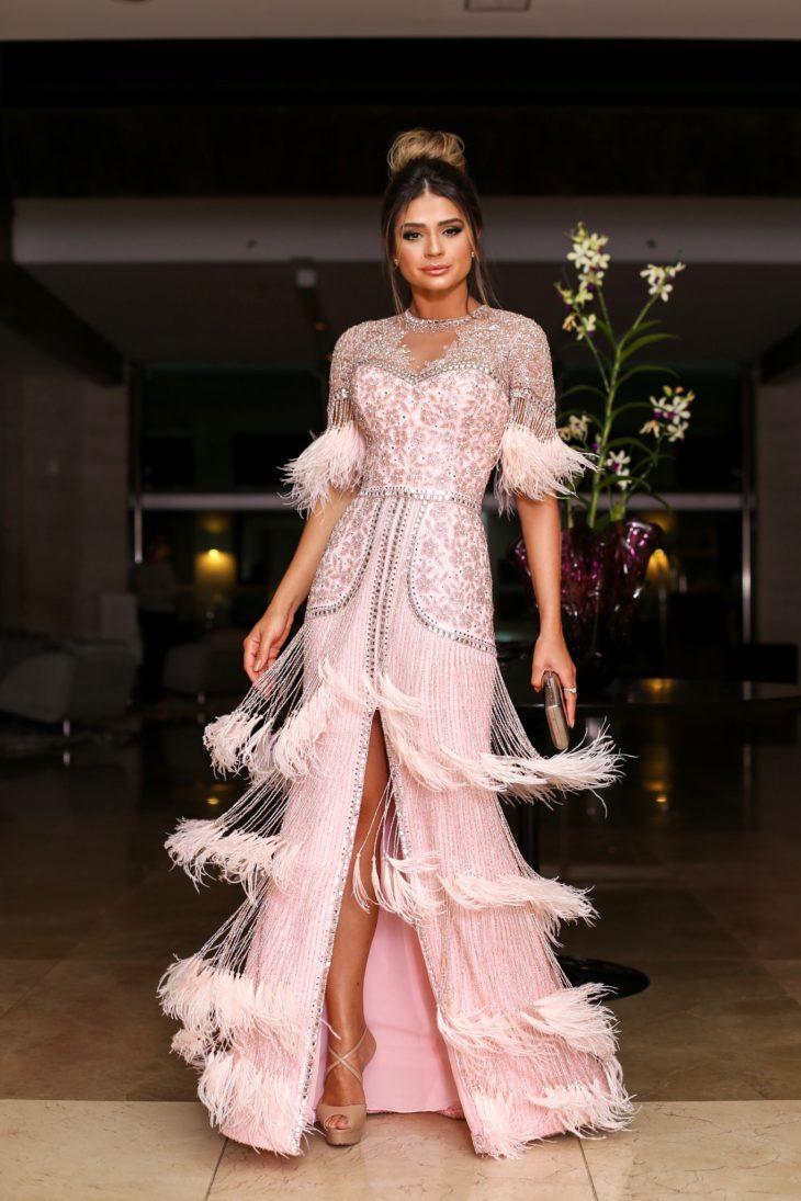 1613158070 283 32 inspiraciones de vestidos de oro rosa llenas de elegancia - 32 Inspiradores vestidos rosas llenos de elegancia y estilo