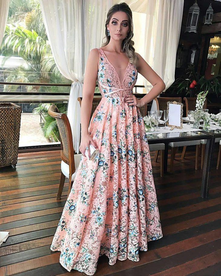 1613158071 23 32 inspiraciones de vestidos de oro rosa llenas de elegancia - 32 Inspiradores vestidos rosas llenos de elegancia y estilo