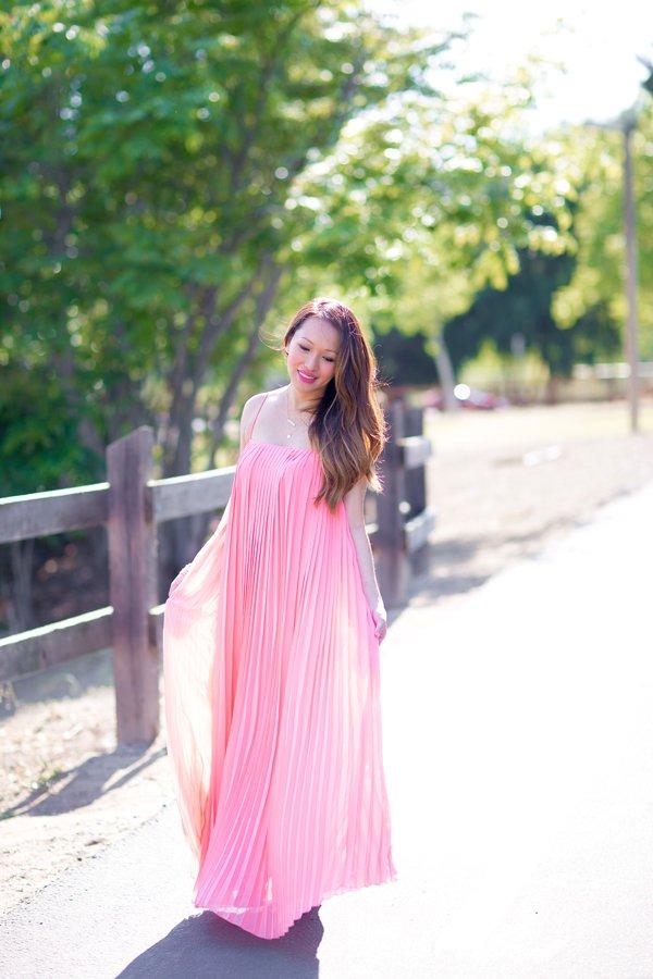 1613158071 410 32 inspiraciones de vestidos de oro rosa llenas de elegancia - 32 Inspiradores vestidos rosas llenos de elegancia y estilo