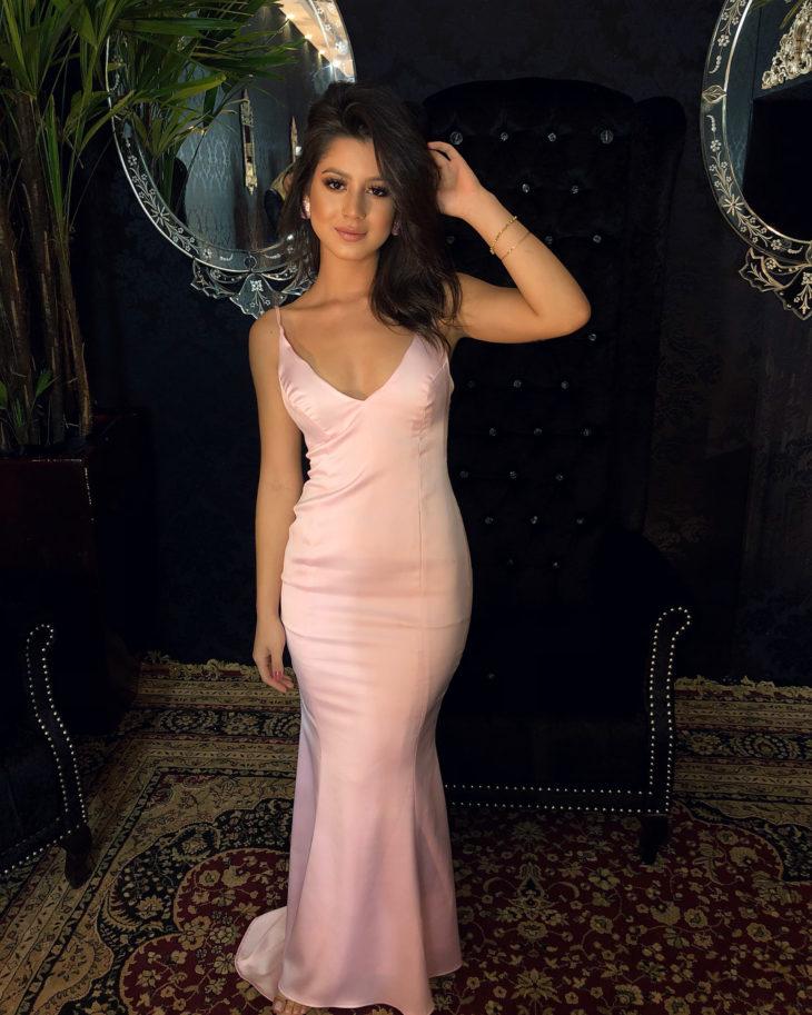 1613158073 457 32 inspiraciones de vestidos de oro rosa llenas de elegancia - 32 Inspiradores vestidos rosas llenos de elegancia y estilo