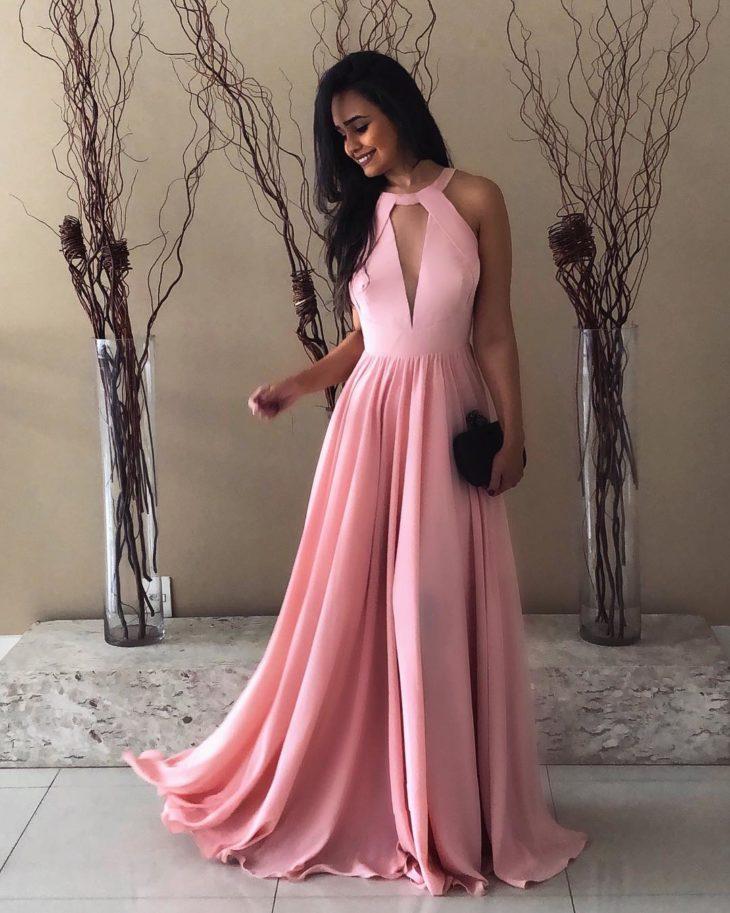 1613158073 963 32 inspiraciones de vestidos de oro rosa llenas de elegancia - 32 Inspiradores vestidos rosas llenos de elegancia y estilo
