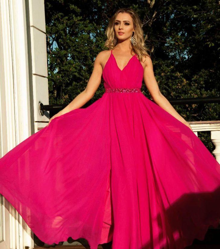 1613158075 519 32 inspiraciones de vestidos de oro rosa llenas de elegancia - 32 Inspiradores vestidos rosas llenos de elegancia y estilo